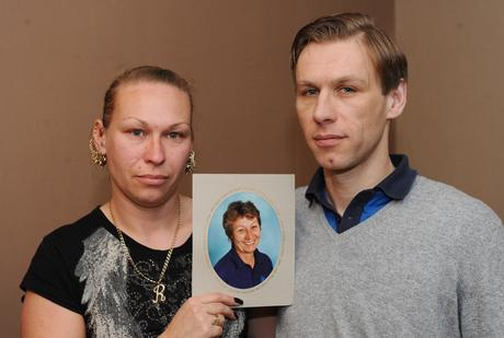 Brother and sister Daniel Chapple and Rachel Mailley with photo of mum Pam.