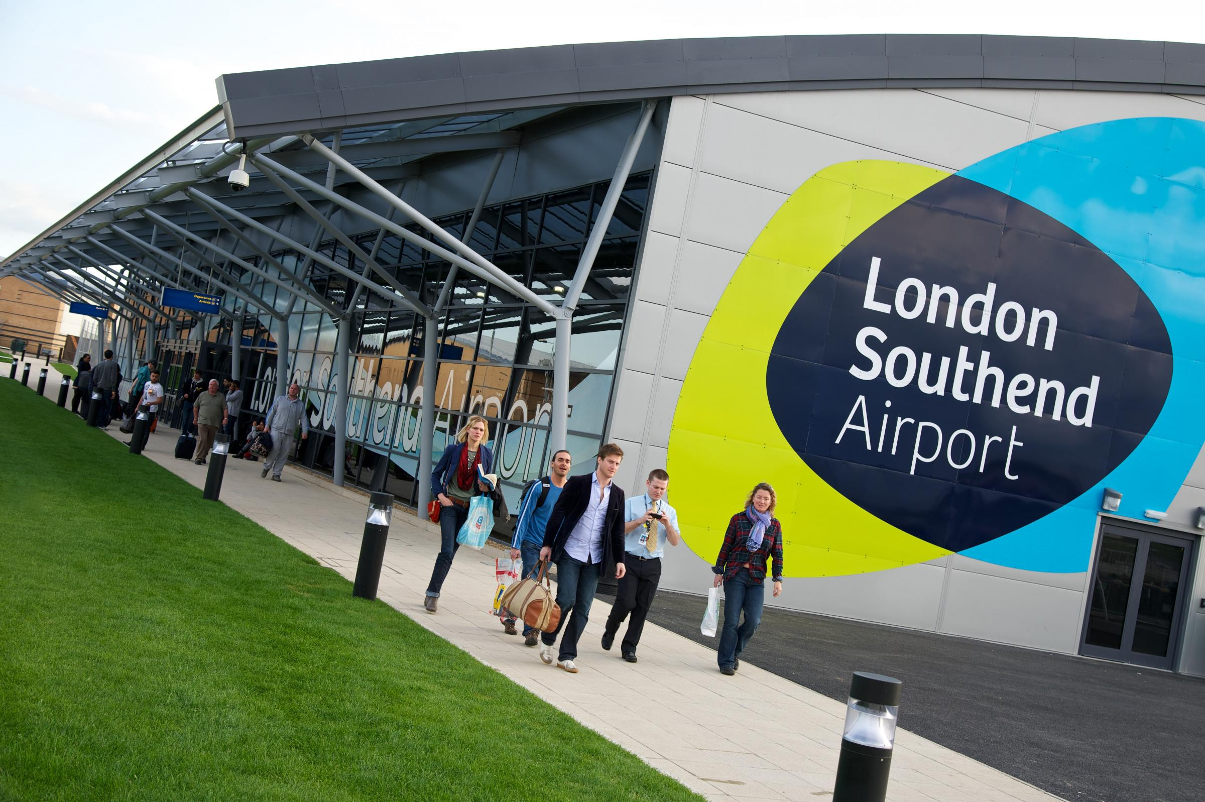 Plane diverted to Southend Airport after wing problems