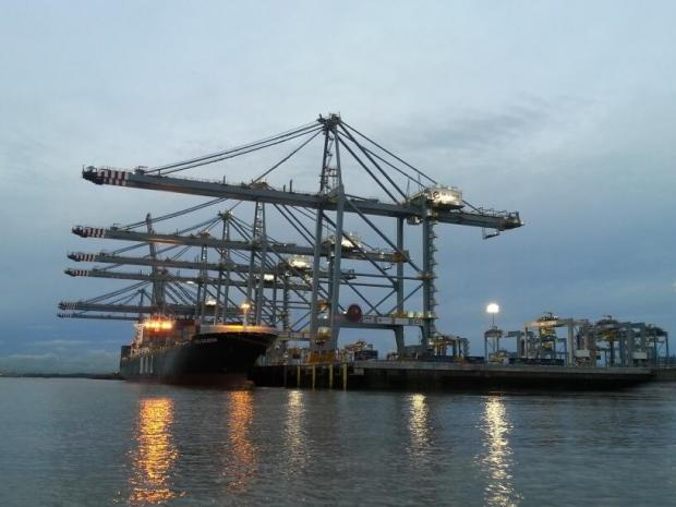 Southend Standard: ship alongside at London Gateway