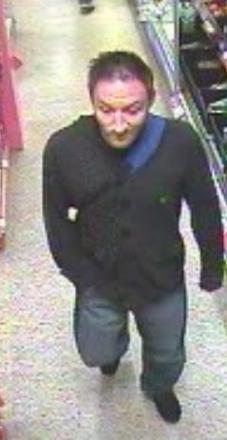 Men wanted after supermarket thefts