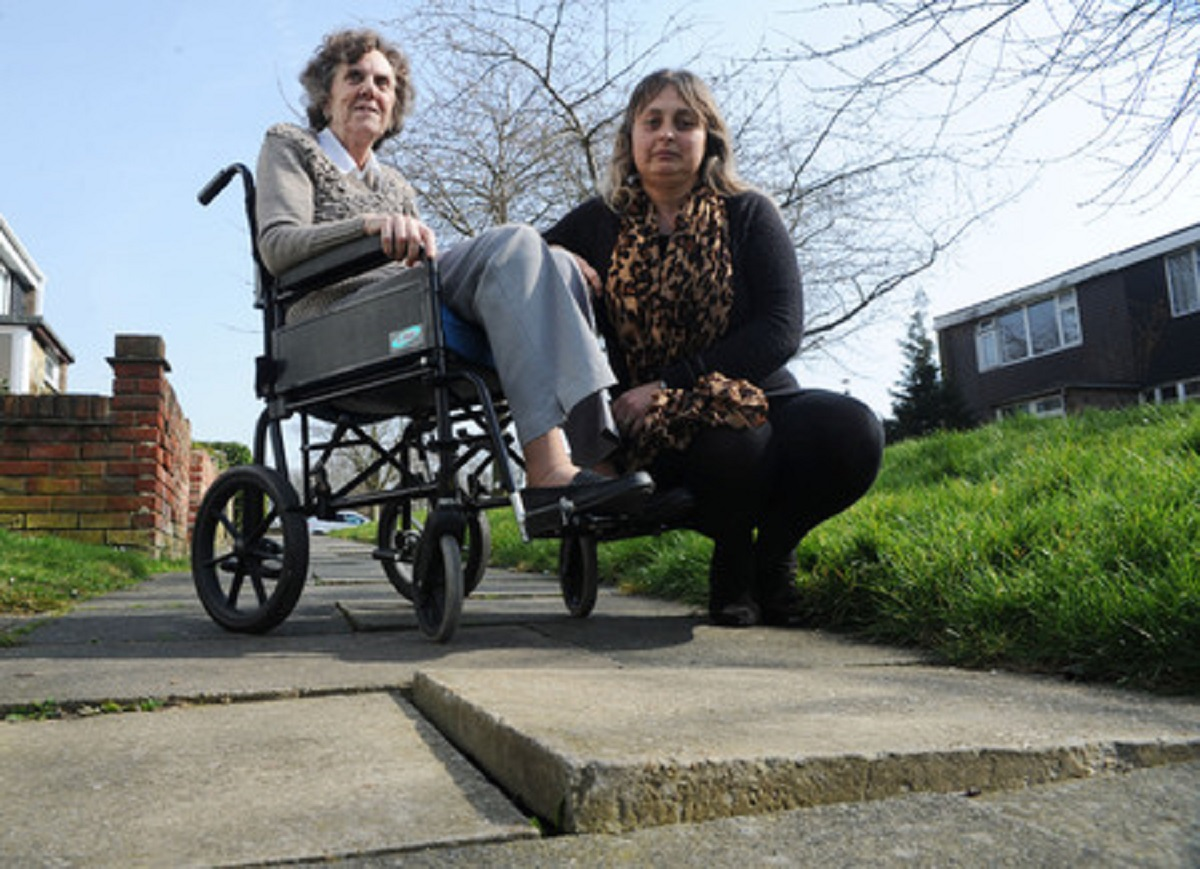 Help us – Elizabeth Mcleod and her grandaughter Tina King at the uneven path in Downey Close, Basildon