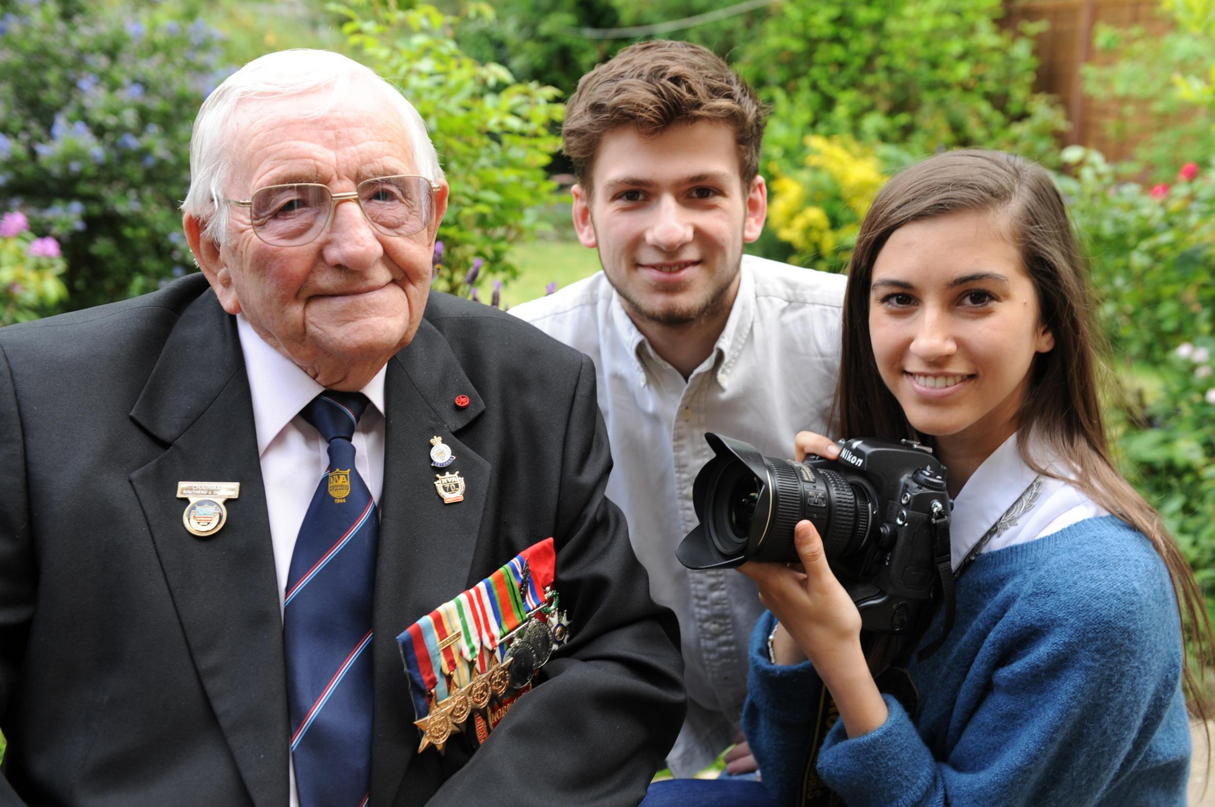 Teen pals' film shares Normandy veterans' stories with the world