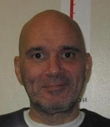 Police hunt for escaped prisoner known to have links to Essex