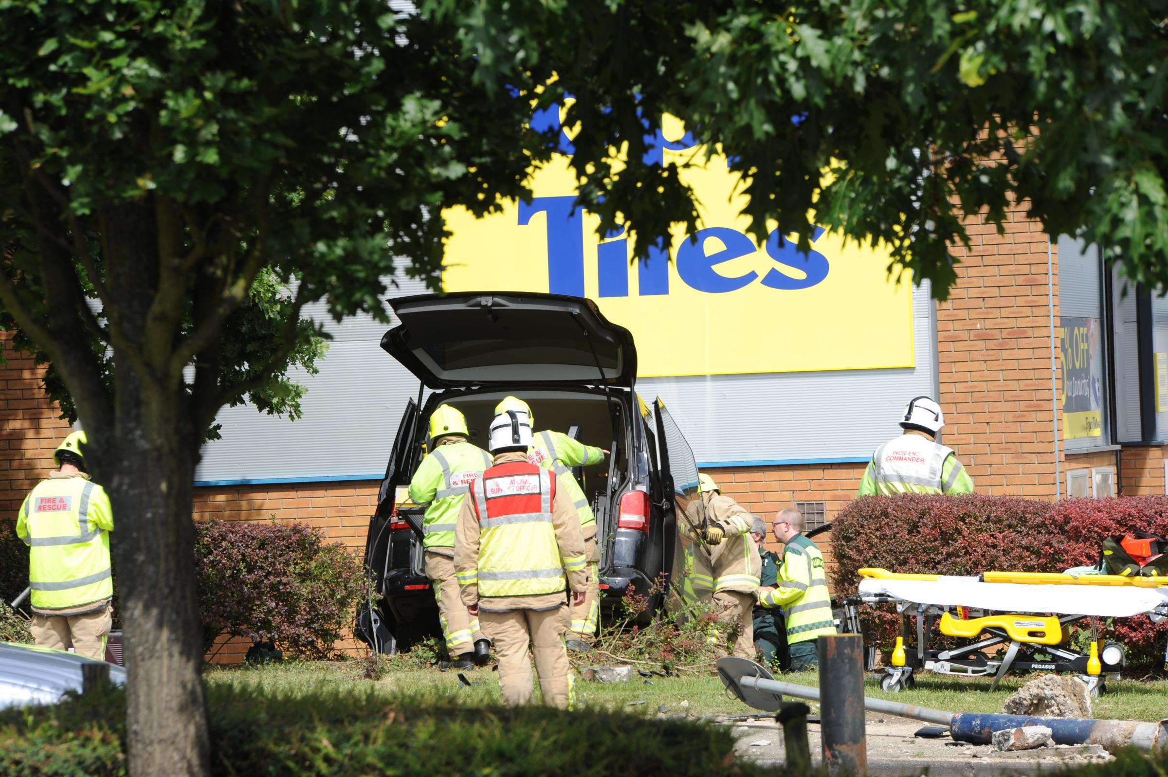 One man injured after car hits wall in Basildon