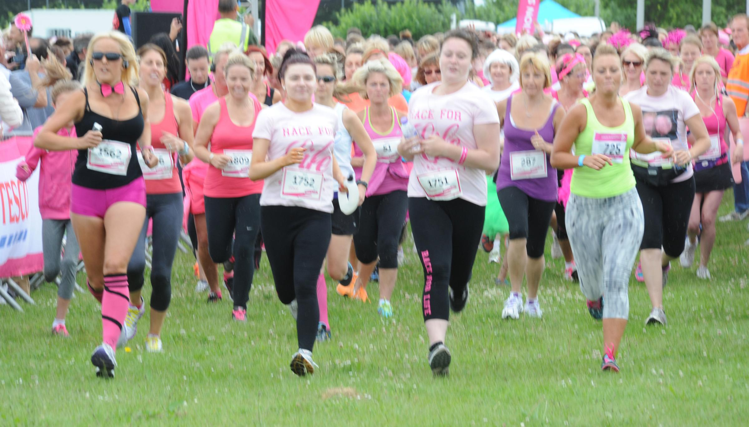 Southend awash with pink as ladies take on Race For Life 5k