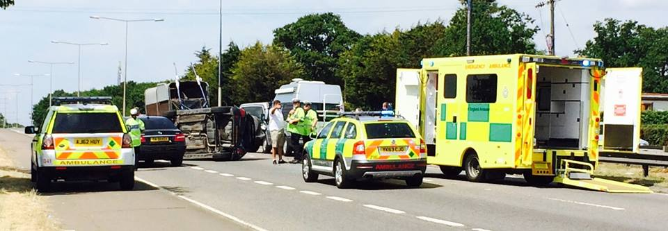 Car overturns on A127
