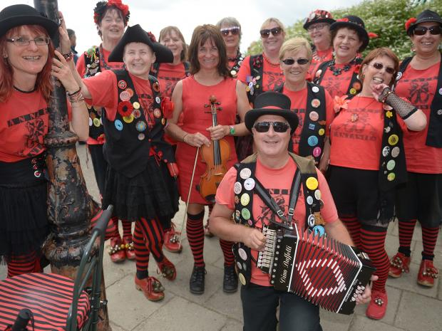 Southend Standard: Annies Fantasies.Leigh Folk Festival, Leigh-on-Sea.