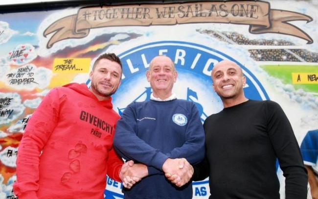 Richard Young (centre) with Billericay FC's Glenn Tamplin and Andrew Cosias
